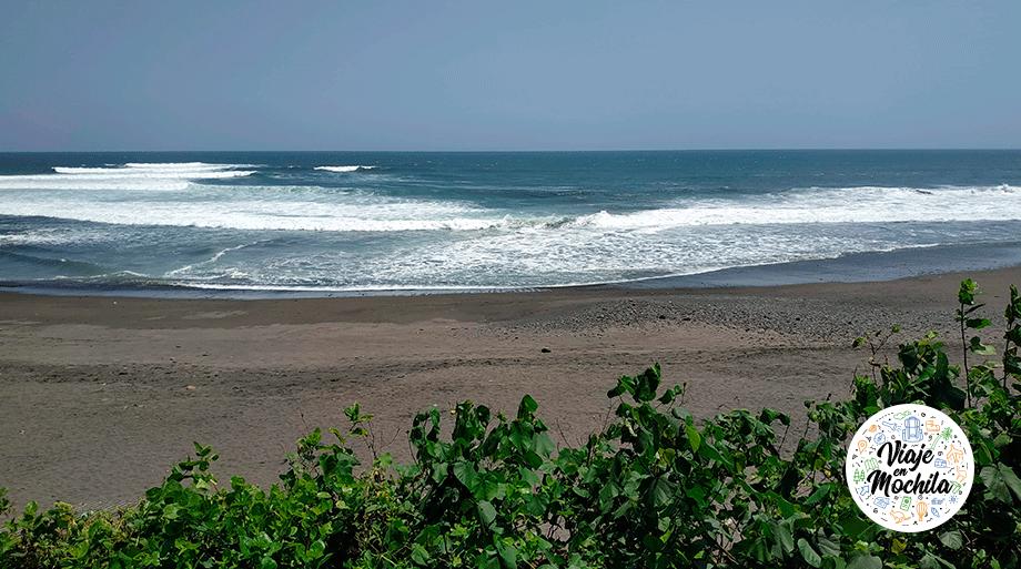 Playa surf Kuta - Viaje en Mochila