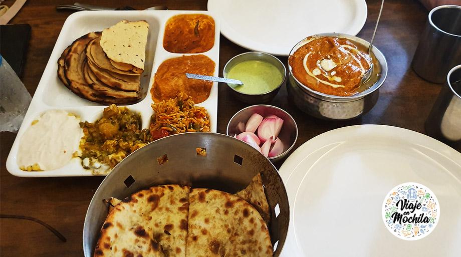 Thali - Comida de India - Viaje en Mochila